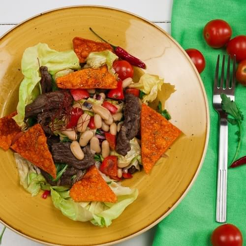 Mal əti və ağ lobya lobyalı salat