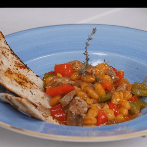 Govedina s bijelim grahom u curry umaku