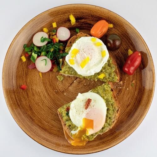 Закуска: Крем от грах върху тост