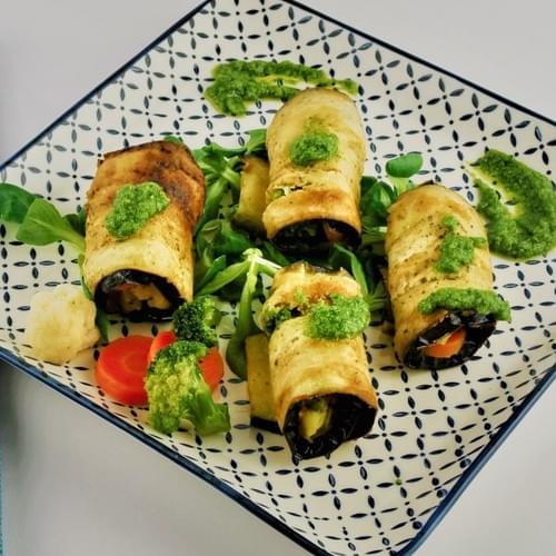 Рулца от патладжан с микс от зеленчуци