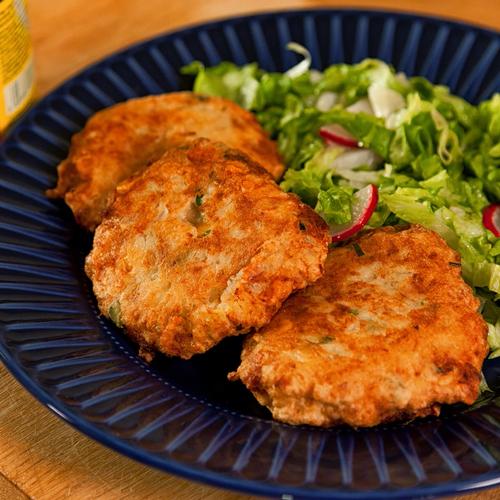 Картофени кюфтета с царевица и риба тон