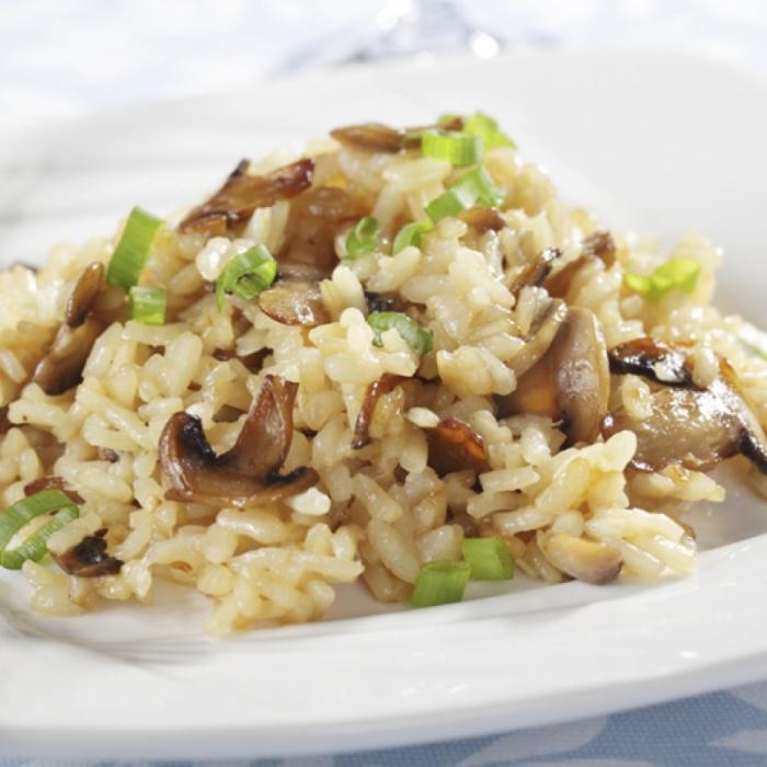 Гъби с ориз на салата