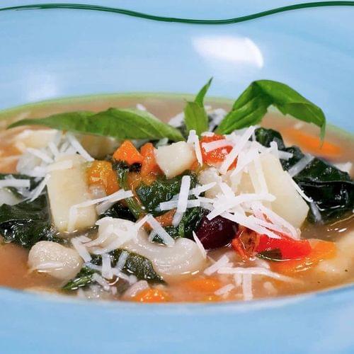 ΛΑΧΑΝΙSTAS Σούπα μινεστρόνε με σπανάκι & κόκκινα φασόλια