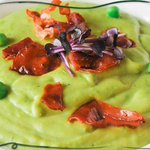 ΛΑΧΑΝΙSTAS Απαλή κρεμώδης σούπα αρακά με τραγανό προσούτο