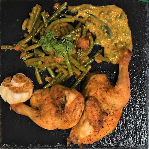 ΛΑΧΑΝΙSTAS Μπουτάκια κοτόπουλου με πράσινα φασολάκια & sauce μουστάρδας