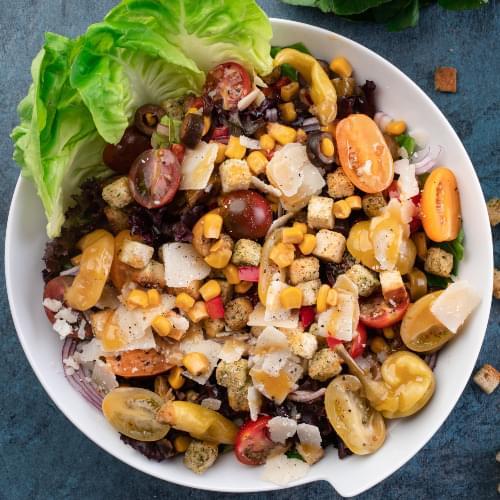 ΛΑΧΑΝΙSTAS Μεσογειακή σαλάτα με καλαμπόκι & ελιές