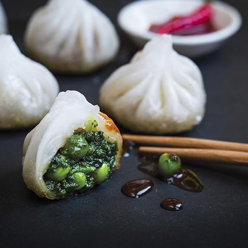 Τηγανιτά dumplings με σπανάκι και κινέζικο λάχανο