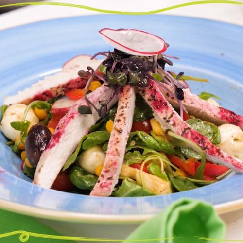 ΛΑΧΑΝΙSTAS Χορταστική σαλάτα με καλαμπόκι και στήθος γαλοπούλας