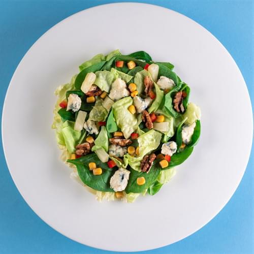 სალათი სიმინდით ჩილი, ლურჯი ყველით და ნიგოზით