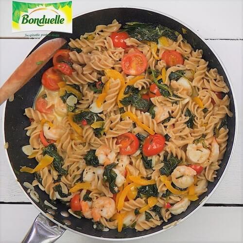 Paella s povrćem, mesom i dagnjama