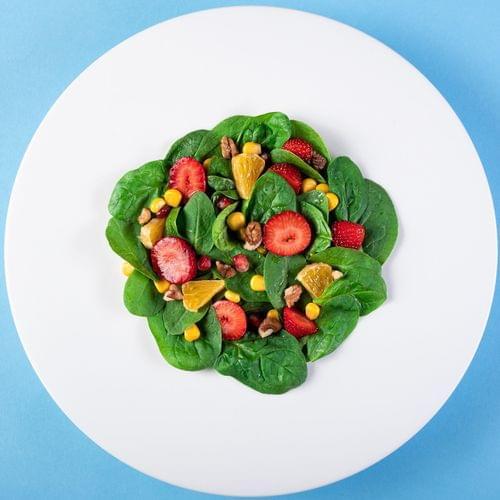 Salata s bio kukuruzom i voćem