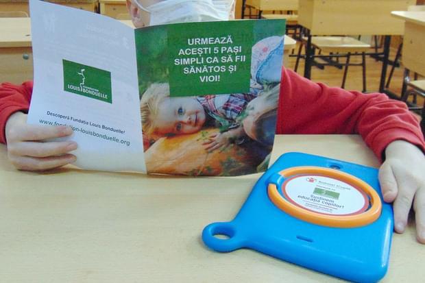 Fundația Louis Bonduelle împreună cu Salvați Copiii donează tablete pentru susținerea educației alimentare