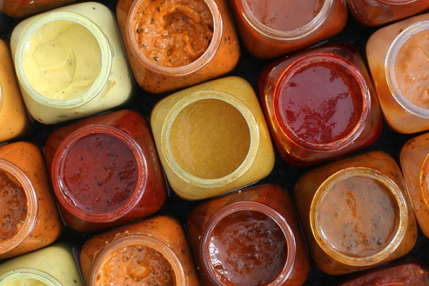 Inspirație culinară pentru salată și dressing sănătos