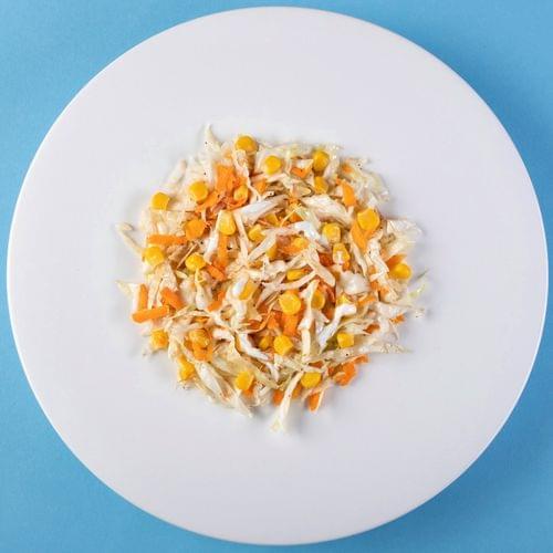 Salată asortată cu dressing de iaurt