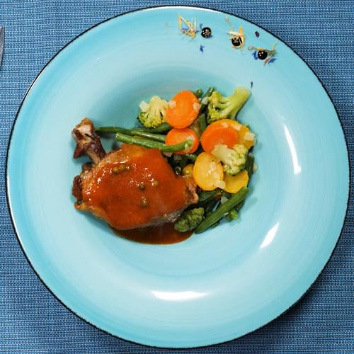 Pulpă de rață confiată cu legume de primăvară