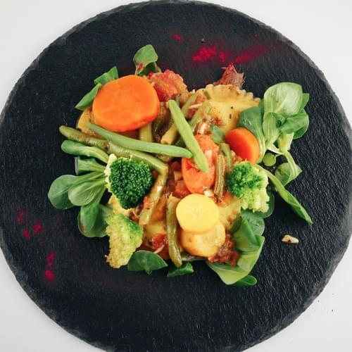 Ravioli cu brânză și mix de legume