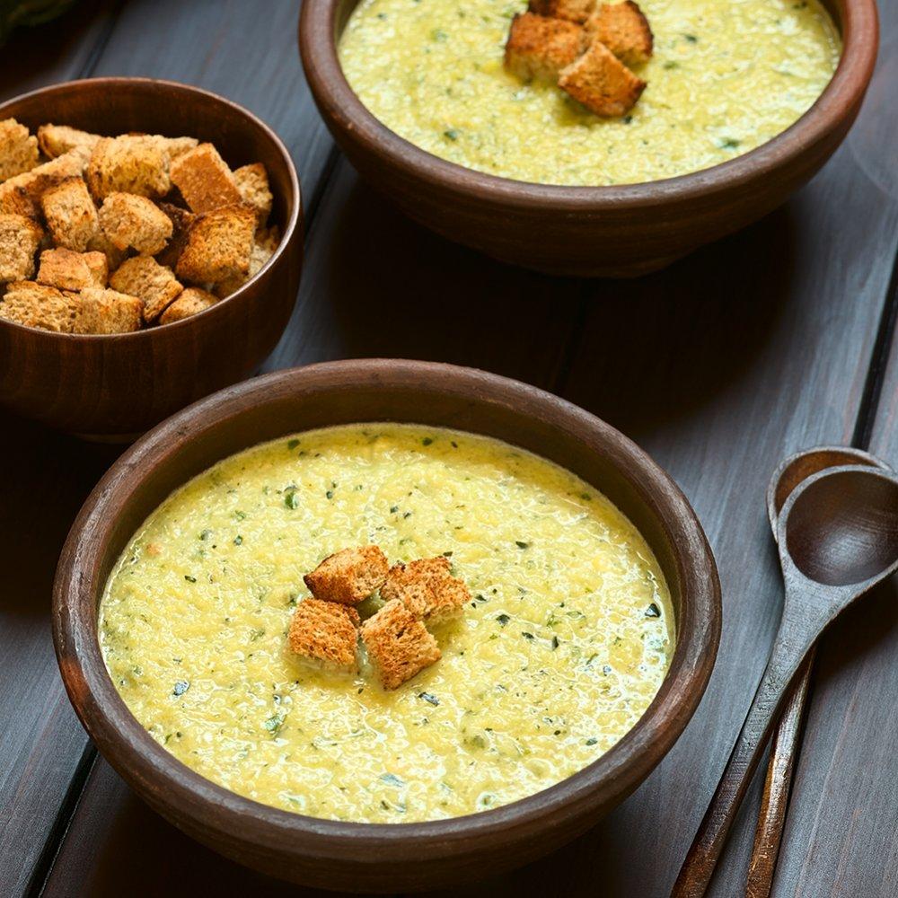 Supă cremă de legume gratinată cu brânză Le Comté