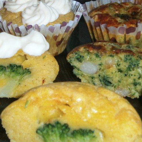 Brioșe cu spanac, broccoli și conopidă