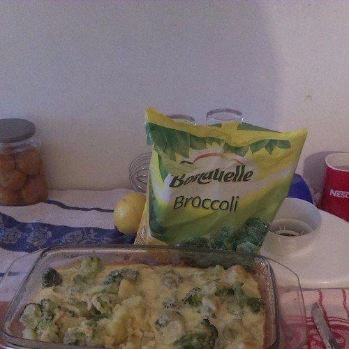 Broccoli cu cartofi gratinați