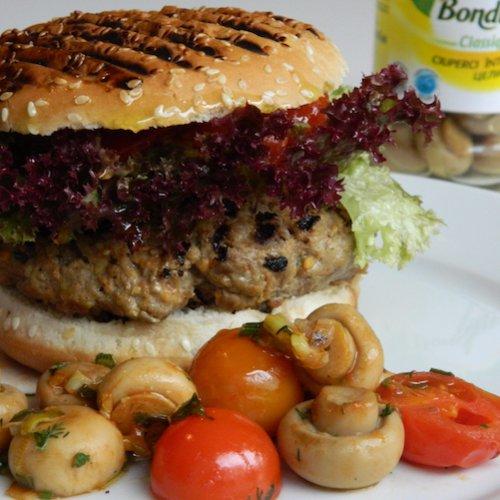 Burger de vițel cu roșii cherry și ciuperci