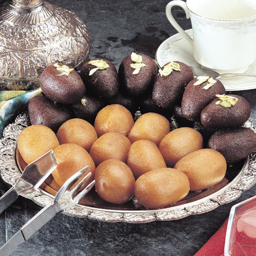 Gulab Jamun - desert indian