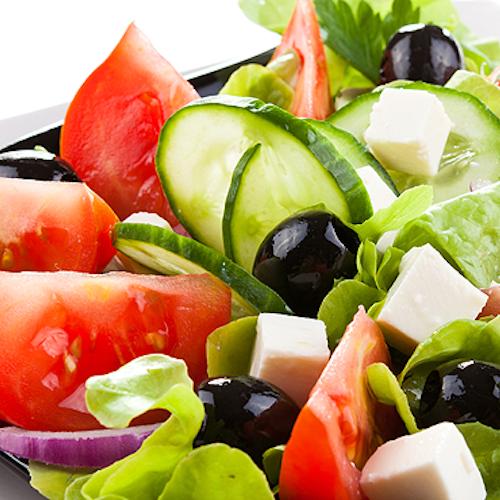 Horiatiki - salată grecească tradițională