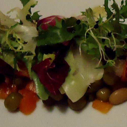 Mix de salată cu amestec de legume macedonean Bonduelle și vinegreta clasică