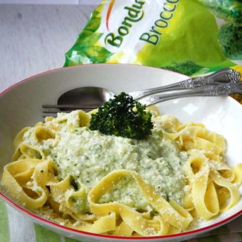 Paste cu broccoli și brânză