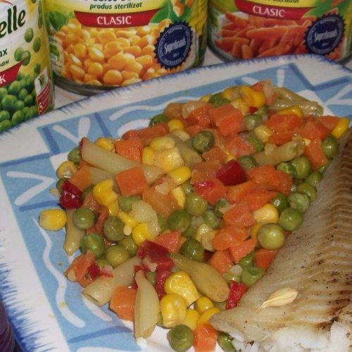 Pește pe pat de legume