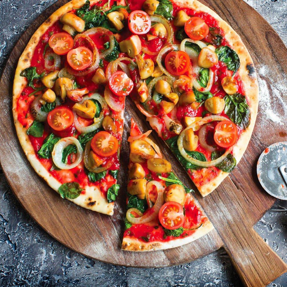 Pizza cu spanac și ciuperci