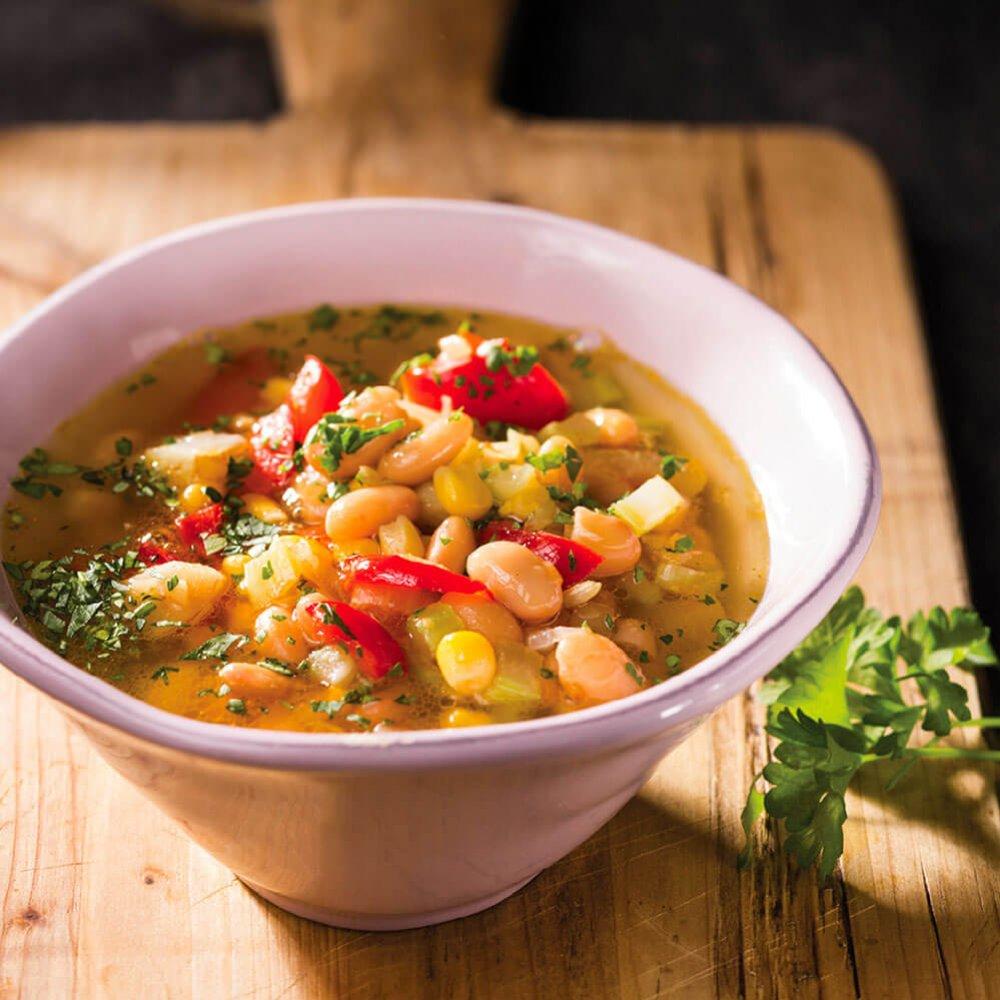 Supă de fasole cu ardei gras și porumb