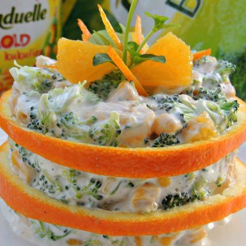 Salată cu broccoli, porumb și portocale