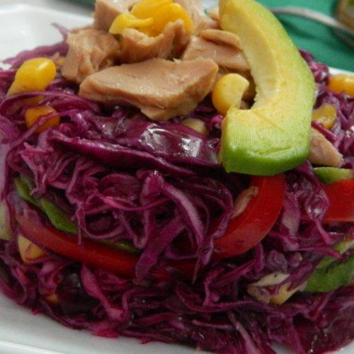 Salată de ton cu varză roșie și porumb Bonduelle