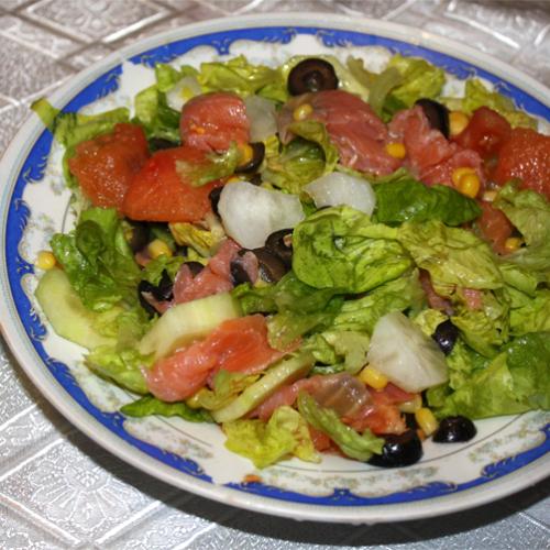 Salată trendy cu somon