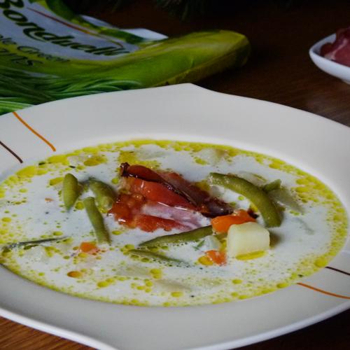 Supă de fasole verde