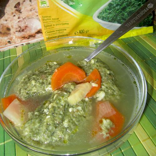 Supă de găluște verzi