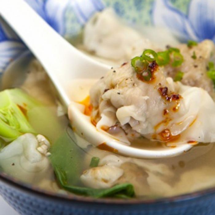 Вонтон - китайские пельмени с начинкой из под креветок и свинины