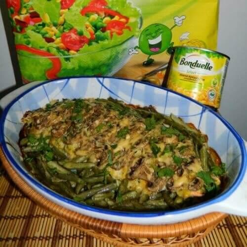 Филе горбуши под нежным кукурузным соусом и зеленой стручковой фасолью