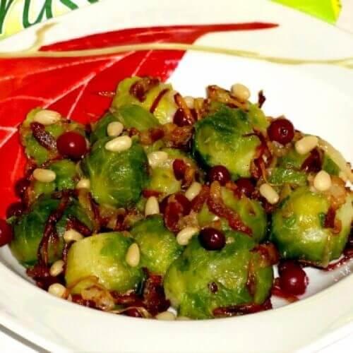 Теплый салат с брюссельской капустой