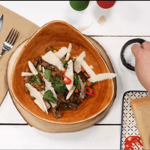Тальята с говядиной и овощами по-мексикански