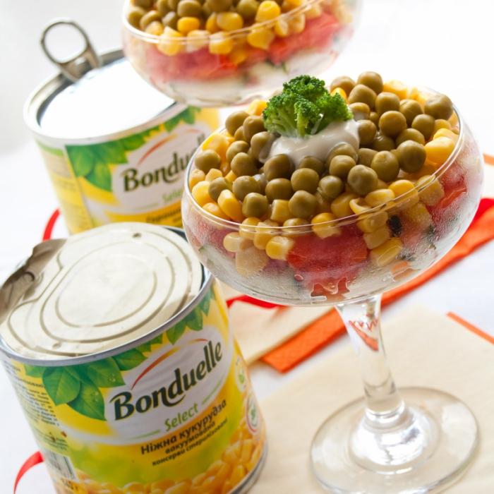 Салат-коктейль с овощами Bonduelle и ветчиной
