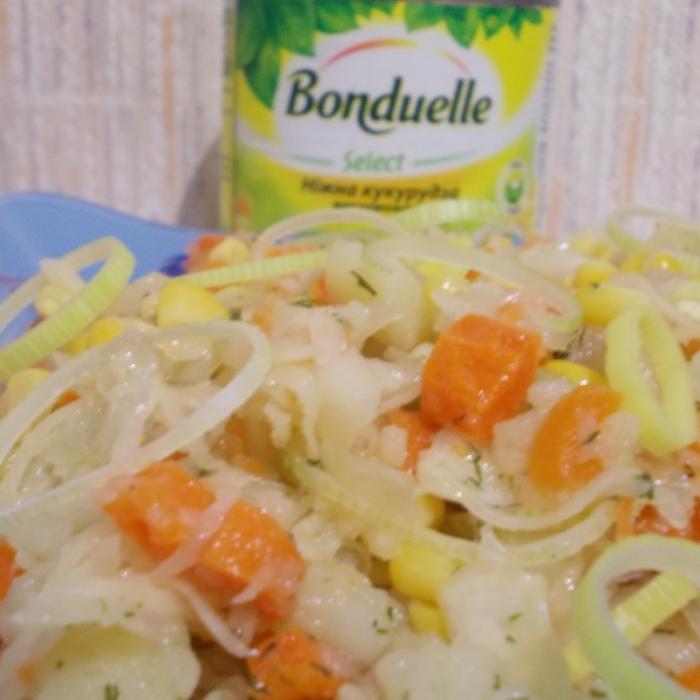 Салат с квашеной капустой и кукурузкой