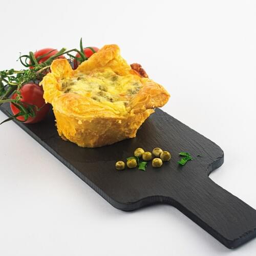 Слойки с зеленым горошком и сыром