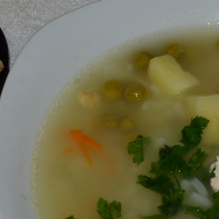 Горохово-чечевичный супчик с омлетом