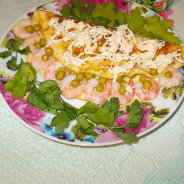 Млинці з креветками та зеленим горошком