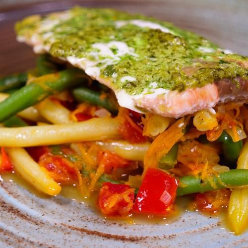 Запечений лосось із Дуетом зеленої і жовтої квасолі